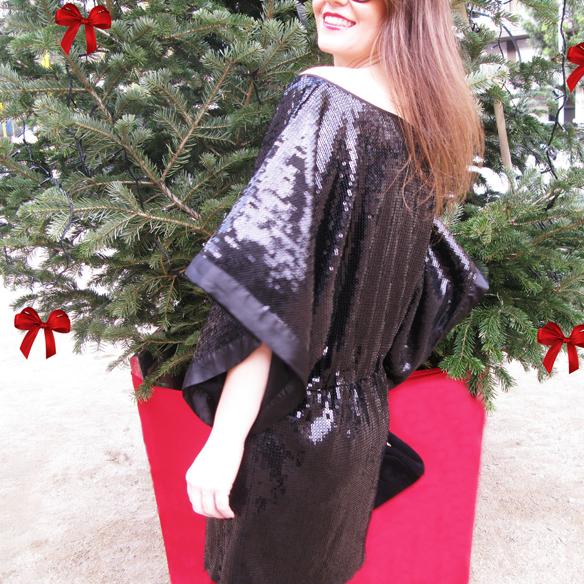 15colgadasdeunapercha_navidad_christmas_total_black_look_paillettes_negro_lbd_kimono_carla_kissler_2