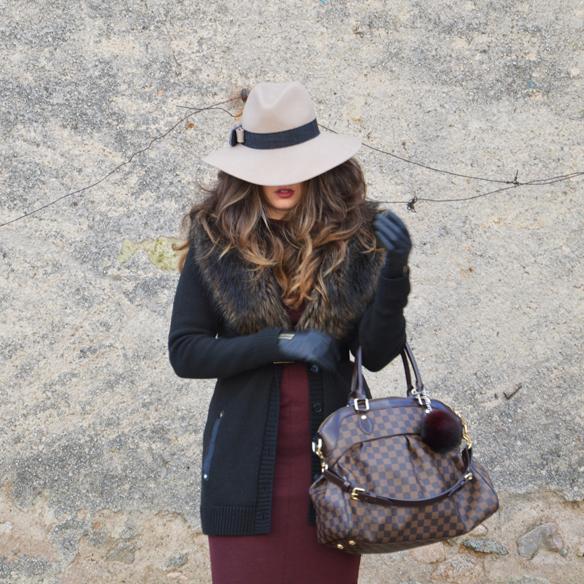 15colgadasdeunapercha_burgundy_burdeos_fur_pelo_sombrero_hat_vestido_dress_alicia_alvarez_10