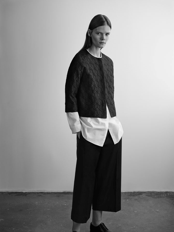 15colgadasdeunapercha_COS_fw_14_15_lookbook_moda_minimalista_minimalist_fashion_16