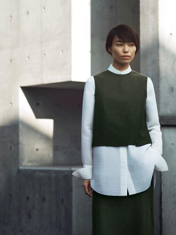 15colgadasdeunapercha_COS_fw_14_15_lookbook_moda_minimalista_minimalist_fashion_18