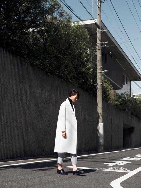 15colgadasdeunapercha_COS_fw_14_15_lookbook_moda_minimalista_minimalist_fashion_19