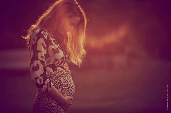 15colgadasdeunapercha_the_style_of_el_estilo_de_pregnant_embarazada_blake_lively_looks_outfits_15
