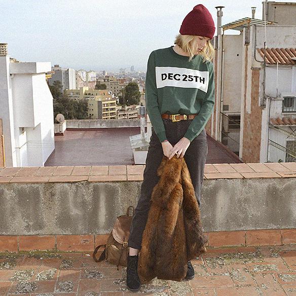 15colgadasdeunapercha_abrigo_pelo_fur_coat_verde_green_sudadera_sweater_gorro_beanie_mochila_backpack_georgina_barcelona_gina_carreras_5