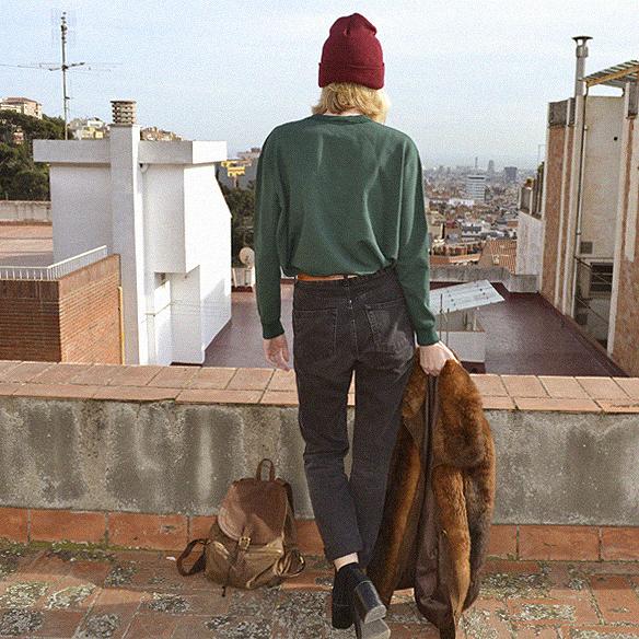 15colgadasdeunapercha_abrigo_pelo_fur_coat_verde_green_sudadera_sweater_gorro_beanie_mochila_backpack_georgina_barcelona_gina_carreras_6