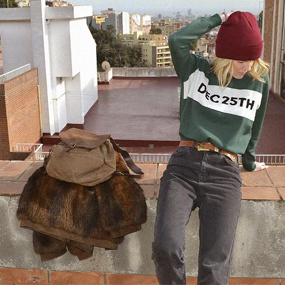 15colgadasdeunapercha_abrigo_pelo_fur_coat_verde_green_sudadera_sweater_gorro_beanie_mochila_backpack_georgina_barcelona_gina_carreras_9
