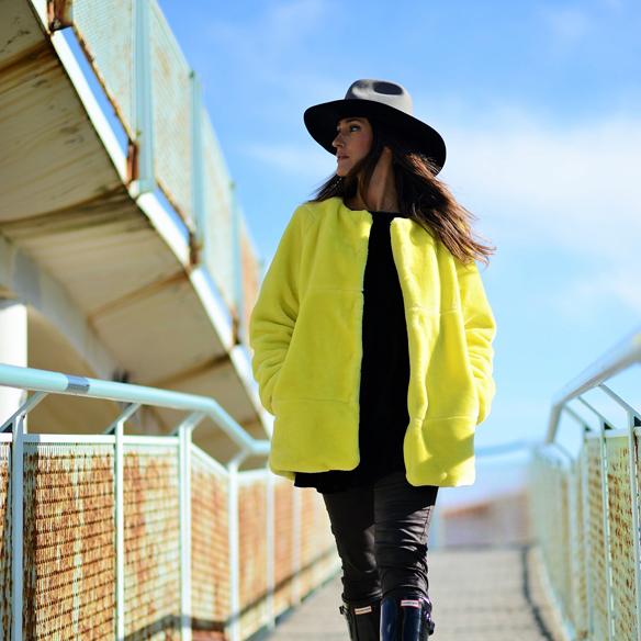 15colgadasdeunapercha_invierno_winter_amarillo_yellow_hunters_hat_sombrero_ana_crank_10