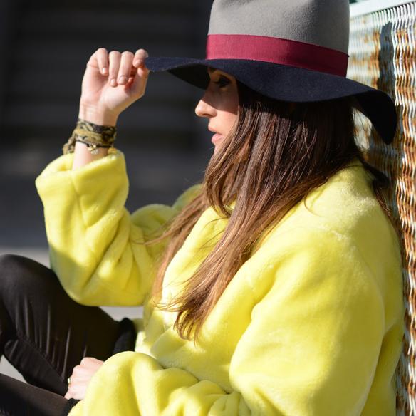 15colgadasdeunapercha_invierno_winter_amarillo_yellow_hunters_hat_sombrero_ana_crank_7