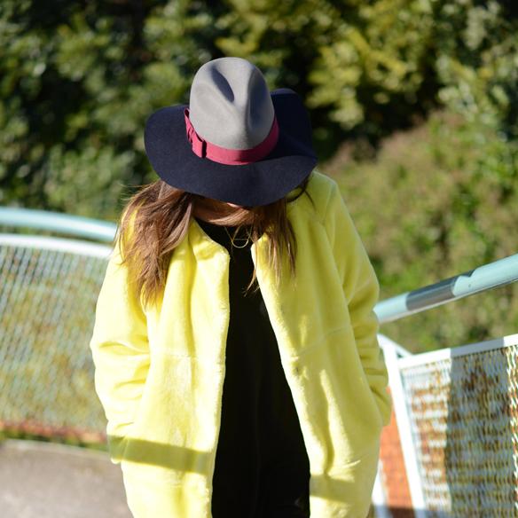 15colgadasdeunapercha_invierno_winter_amarillo_yellow_hunters_hat_sombrero_ana_crank_9