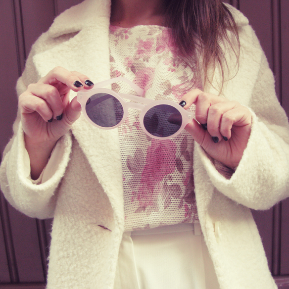 15colgadasdeunapercha_invierno_winter_fw_oi_white_blanco_flores_floral_print_rosa_pink_teddy_coat_lord_wilmore_sunnies_gafas_de_sol_carla_kissler_5