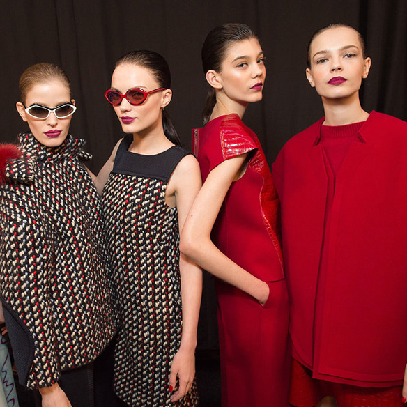 15colgadasdeunapercha_nyfw_new_york_fashion_week_fall_2015_moda_desfile_pasarela_carolina_herrera_8