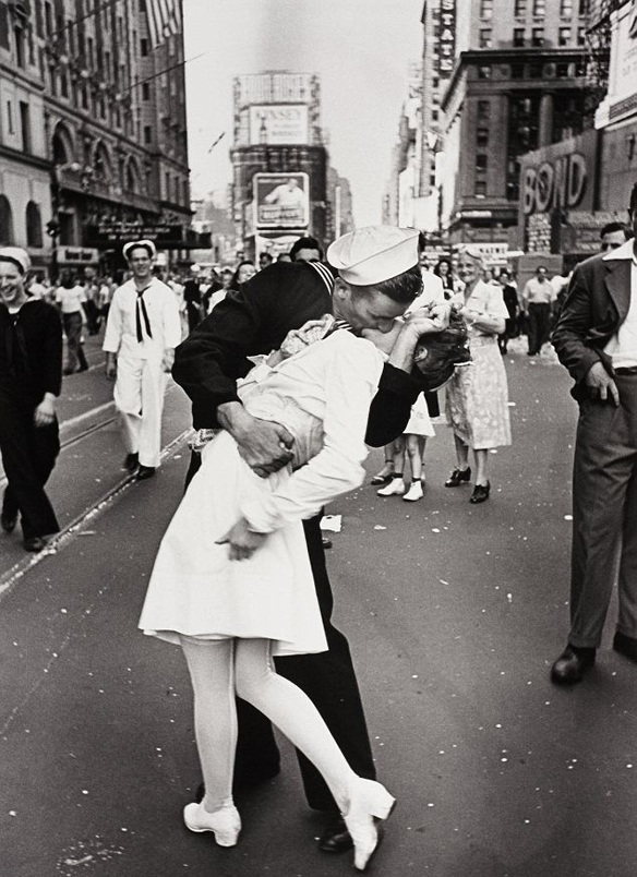15colgadasdeunapercha_the_style_of_estilo_stylish_couples_parejas_estilosas_el_beso_the_kiss_1945_times_square_ny_marinero_enfermera_5