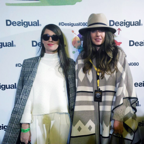 15colgadasdeunpercha_080_barcelona_fashion_moda_desfiles_080bcnfashion_desigual_men_hombre_photocall_carla_kissler_66