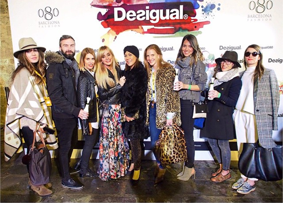 15colgadasdeunpercha_080_barcelona_fashion_moda_desfiles_080bcnfashion_desigual_men_hombre_photocall_carla_kissler_69