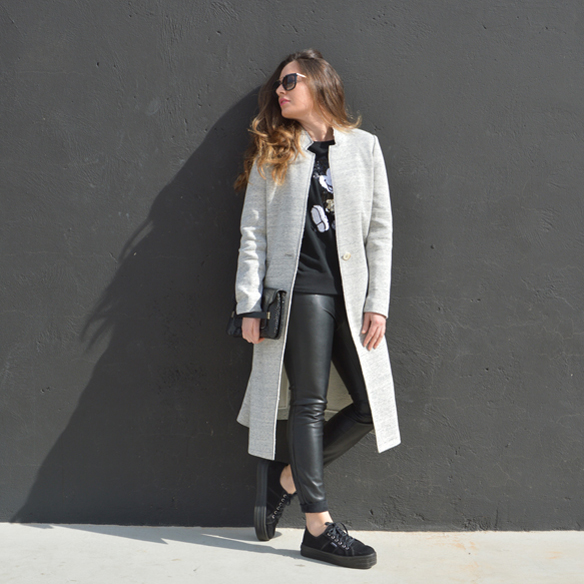 15colgadasdeunapercha_invierno_winter_abrigo_coat_gris_grey_mickey_mouse_polipiel_leatherette_black_negro_bicromatico_bichromatic_alicia_alvarez_2