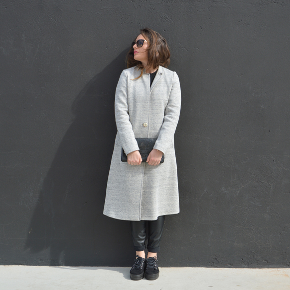 15colgadasdeunapercha_invierno_winter_abrigo_coat_gris_grey_mickey_mouse_polipiel_leatherette_black_negro_bicromatico_bichromatic_alicia_alvarez_3