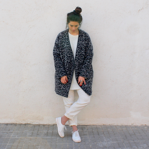 15colgadasdeunapercha_invierno_winter_blanco_white_animal_print_trainers_bambas_total_white_look_blanche_10
