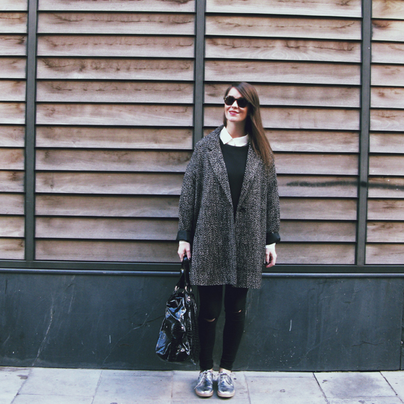 15colgadasdeunapercha_invierno_winter_neopreno_neoprene_silver_plateado_ripped_jeans_camisa_shirt_carla_kissler_10