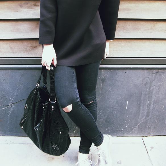 15colgadasdeunapercha_invierno_winter_neopreno_neoprene_silver_plateado_ripped_jeans_camisa_shirt_carla_kissler_8