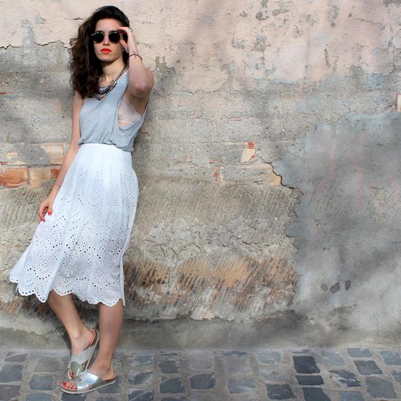 15colgadasdaunapercha_must-have_ss_15_imprescindible_midi_falda_skirt_troquelado_ugly_shoes_romantico_blanche_2