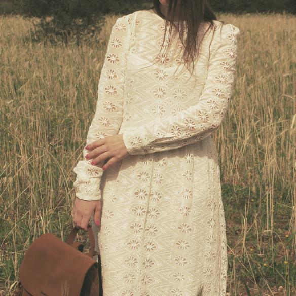 15colgadasdeunapercha_must-have_imprescindible_boho_chic_festivalera_vestido_white_blanco_troquelado_punched_dress_carla_kissler_6