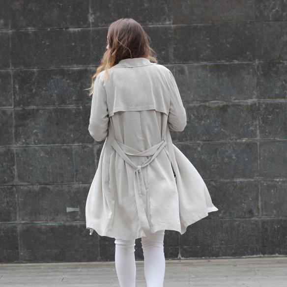 15colgadasdeunapercha_must-have_ss_15_imprescindible_blanco_white_minimalista_minimal_gabardina_trench_julia_ros_7