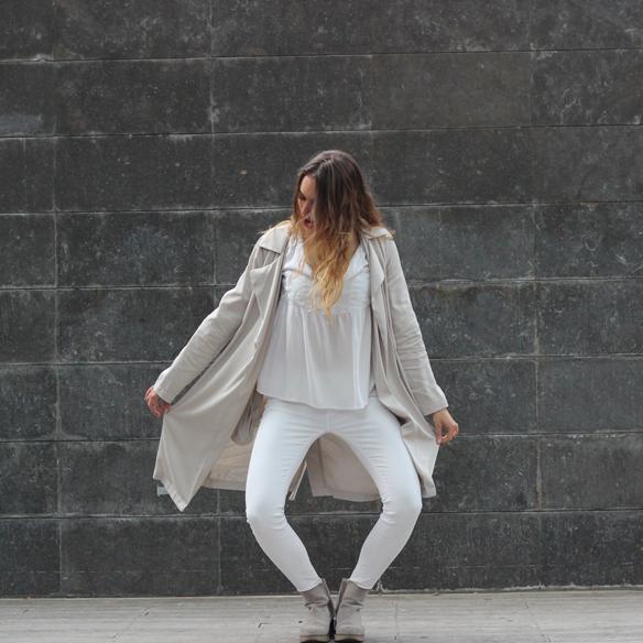 15colgadasdeunapercha_must-have_ss_15_imprescindible_blanco_white_minimalista_minimal_gabardina_trench_julia_ros_8