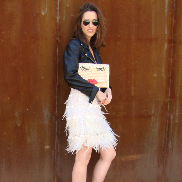 15colgadasdeunapercha_must-have_ss_15_vestido_verano_summer_dress_plumas_plumes_biker_pretty_bag_marta_r_1