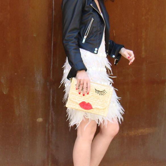 15colgadasdeunapercha_must-have_ss_15_vestido_verano_summer_dress_plumas_plumes_biker_pretty_bag_marta_r_3
