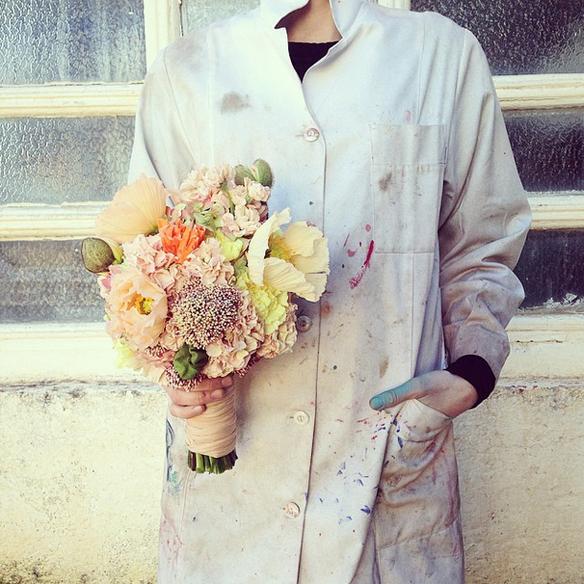 15colgadasdeunapercha_con_cabeza_y_a_lo_loco_tocados_coronas_diademas_canotiers_pamelas_turbantes_sombreros_headdresses_flowers_by_bornay_3