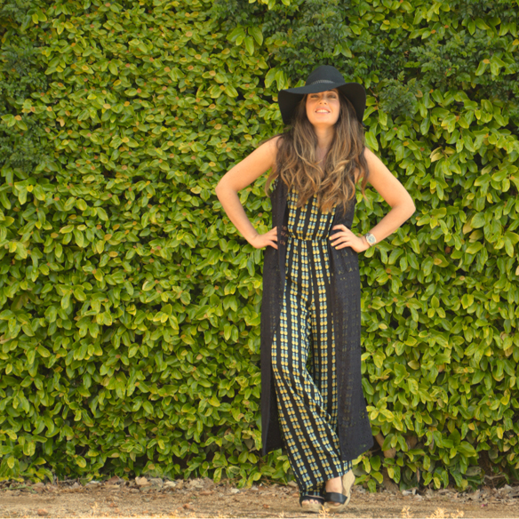 15colgadasdeunapercha_jumpsuit_mono_piña_pineapple_hat_sombrero_lace_kimono_encaje_alicia_alvarez_1