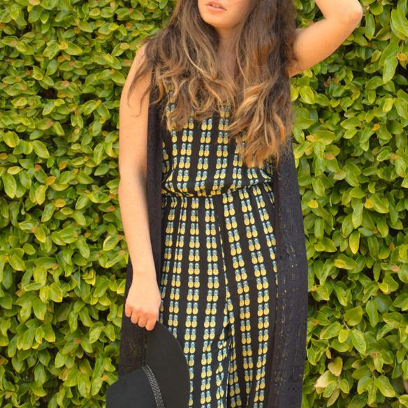 15colgadasdeunapercha_jumpsuit_mono_piña_pineapple_hat_sombrero_lace_kimono_encaje_alicia_alvarez_3