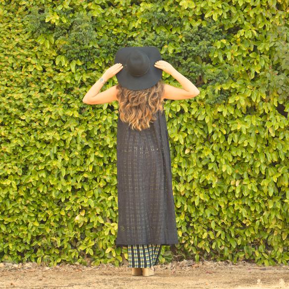 15colgadasdeunapercha_jumpsuit_mono_piña_pineapple_hat_sombrero_lace_kimono_encaje_alicia_alvarez_4