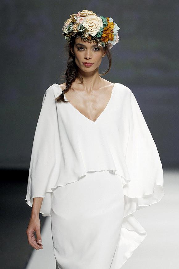15colgadasdeunapercha_looks_we_love_bodas_weddings_gown_vestidos_trajes_matilde_cano_4