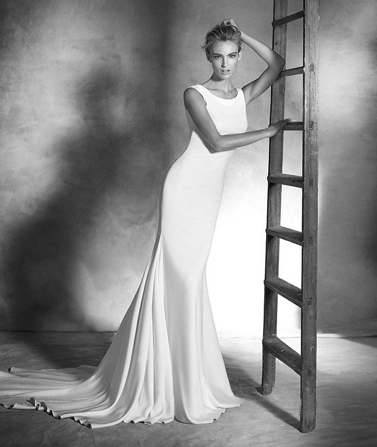 15colgadasdeunapercha_looks_we_love_bodas_weddings_gown_vestidos_trajes_pronovias_2