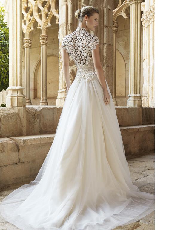15colgadasdeunapercha_looks_we_love_bodas_weddings_gown_vestidos_trajes_raimon_bundo_14