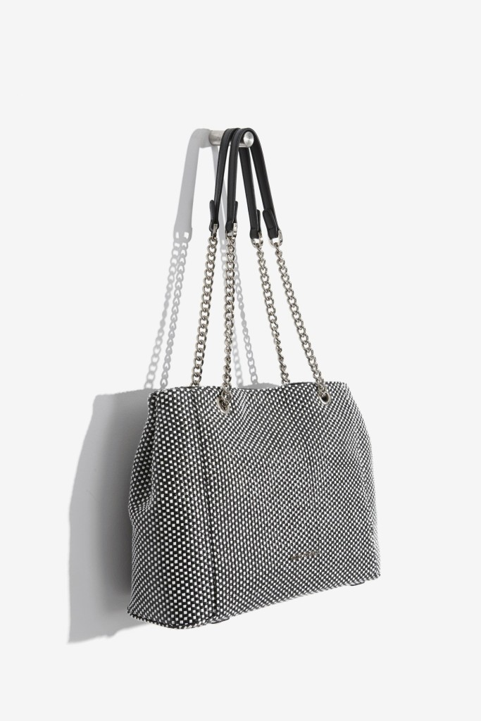 15colgadasdeunapercha-bolso-bag-handbag-adolfo-dominguez-2