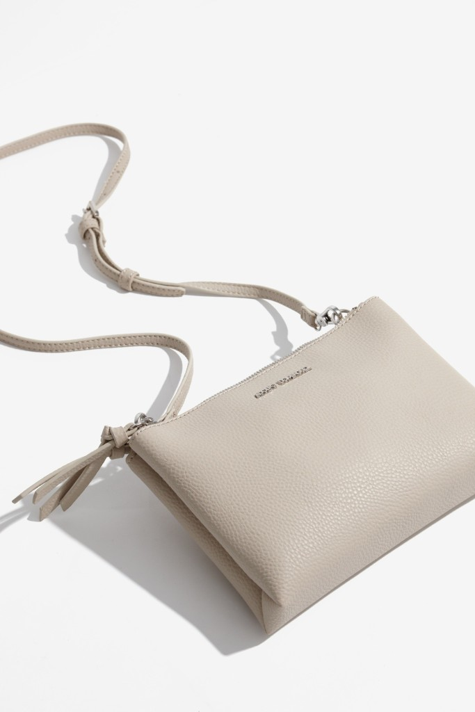 15colgadasdeunapercha-bolso-bag-handbag-adolfo-dominguez-7