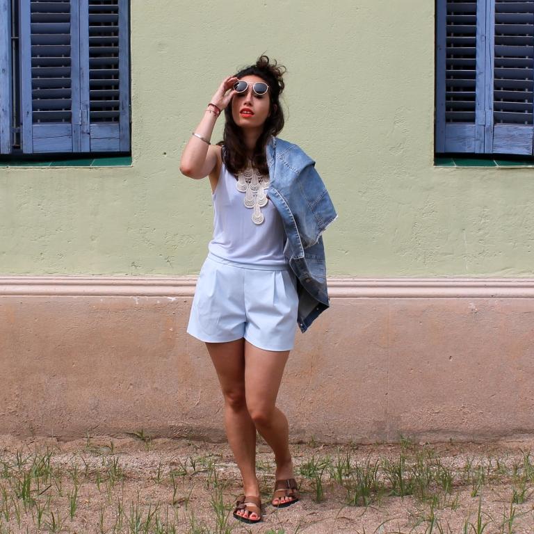 15colgadasdeunapercha-san-juan-saint-john-jumpsuit-mono-azul-blue-chaleco-vest-ugly-shoes-blanche-10