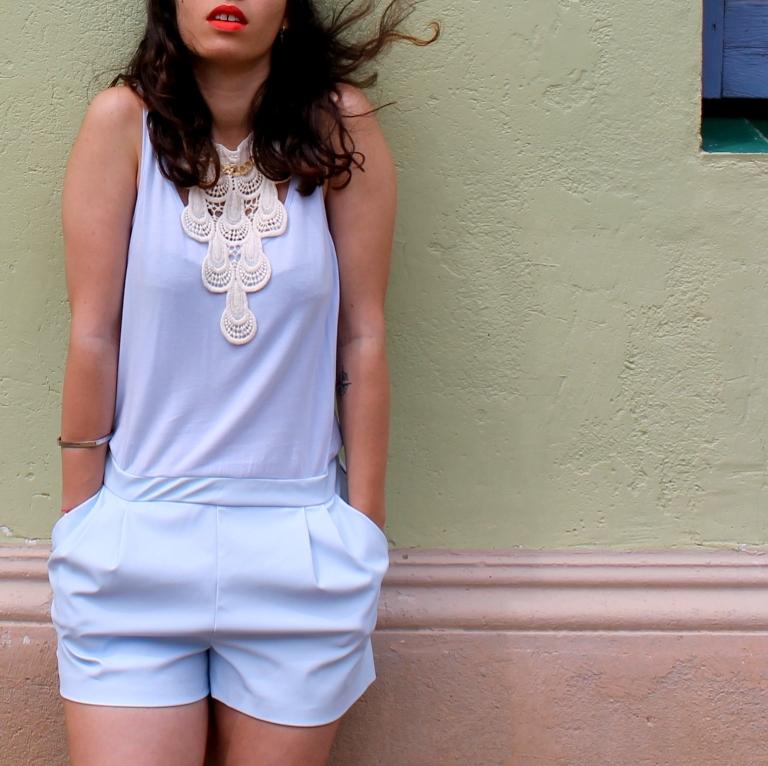 15colgadasdeunapercha-san-juan-saint-john-jumpsuit-mono-azul-blue-chaleco-vest-ugly-shoes-blanche-6