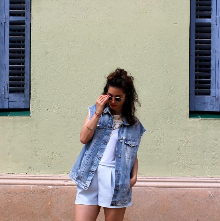 15colgadasdeunapercha-san-juan-saint-john-jumpsuit-mono-azul-blue-chaleco-vest-ugly-shoes-blanche-7