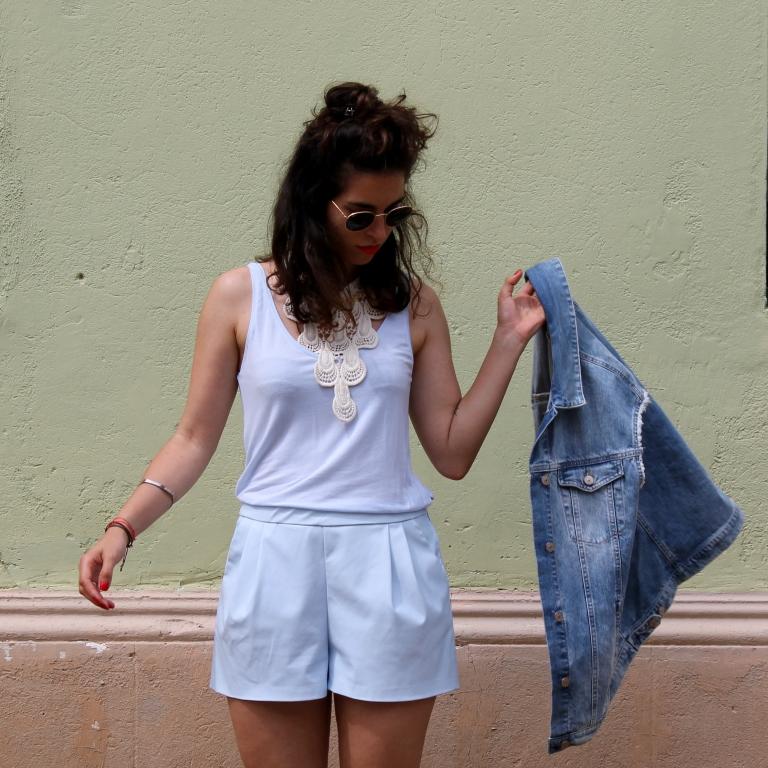 15colgadasdeunapercha-san-juan-saint-john-jumpsuit-mono-azul-blue-chaleco-vest-ugly-shoes-blanche-8