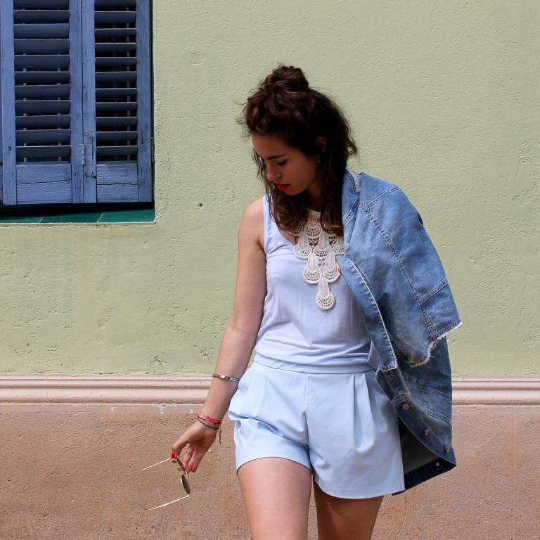 15colgadasdeunapercha-san-juan-saint-john-jumpsuit-mono-azul-blue-chaleco-vest-ugly-shoes-blanche-9