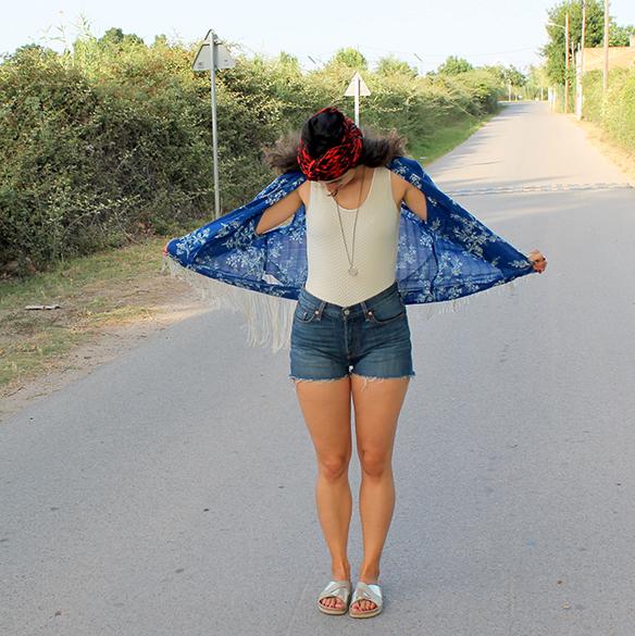 15colgadasdeunapercha-kimono-mix-and-match-body-shorts-turbante-turban-ugly-shoes-blanche-2