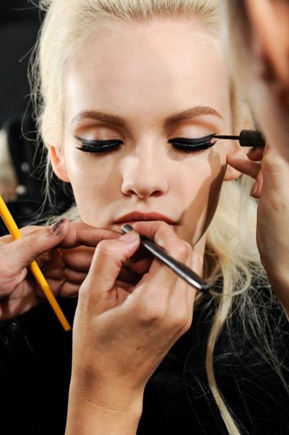15colgadasdeunapercha-maquillaje-make-up-verano-summer-2015-cat-eyes-4