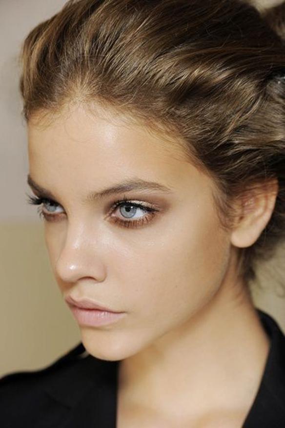 15colgadasdeunapercha-maquillaje-make-up-verano-summer-2015-flipped-smokey-eyes-2