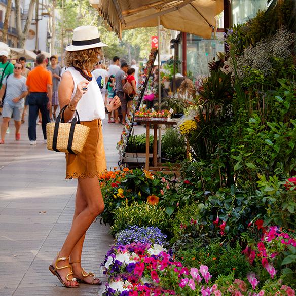 15colgadasdeunapercha-shorts-ciudad-city-tacones-high-heels-dr-bloom-maica-jau-5