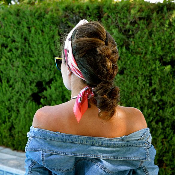 15colgadasdeunapercha-summer-verano-camisa-tejana-denim-shirt-bikini-pañuelo-headscarf-bambas-sneakers-alicia-alvarez-4