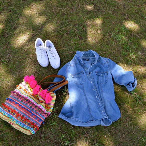 15colgadasdeunapercha-summer-verano-camisa-tejana-denim-shirt-bikini-pañuelo-headscarf-bambas-sneakers-alicia-alvarez-5