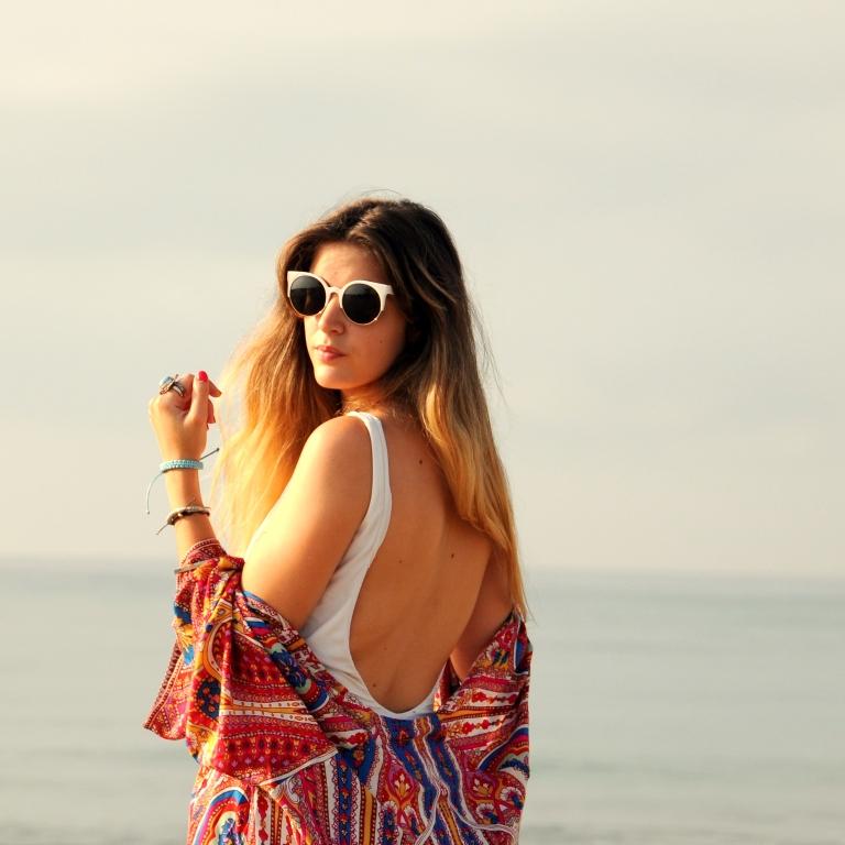 15colgadasdeunapercha-verano-summer-bañador-swimsuit-white-blanco-kimono-shorts-70s-anna-duarte-1