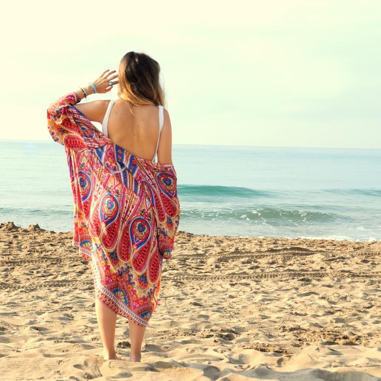 15colgadasdeunapercha-verano-summer-bañador-swimsuit-white-blanco-kimono-shorts-70s-anna-duarte-10